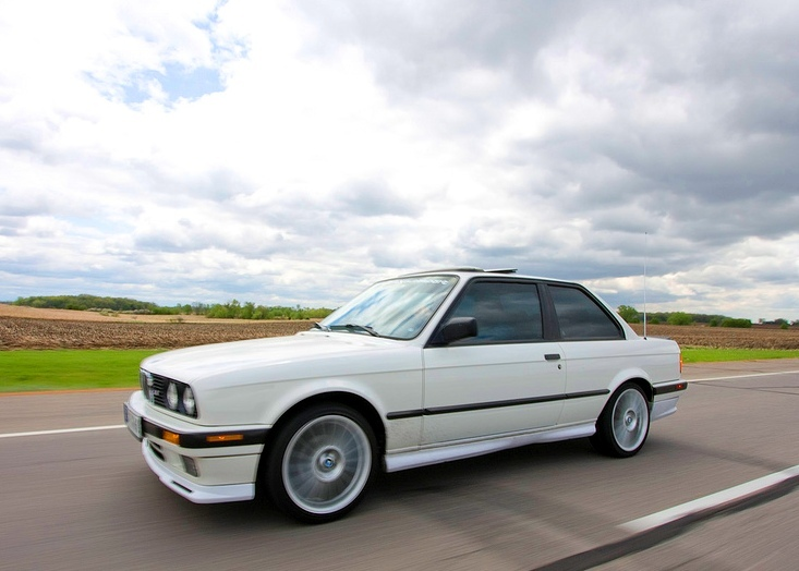 BMW 3 series 320is 1991 photo - 12