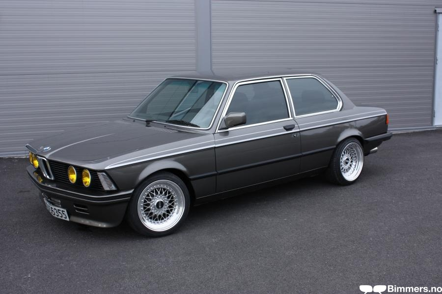 BMW 3 series 323i 1978 photo - 12