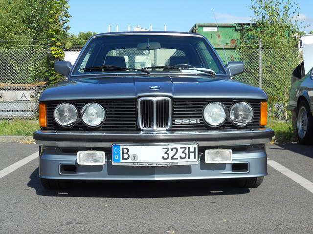 BMW 3 series 323i 1982 photo - 12