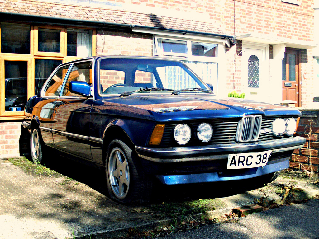 BMW 3 series 323i 1982 photo - 9