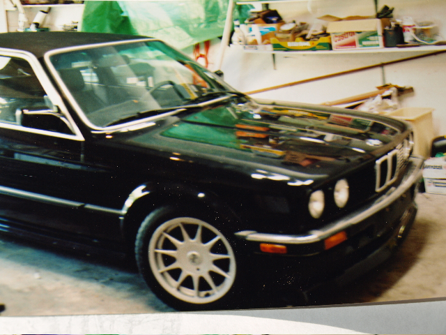 BMW 3 series 323i 1984 photo - 3
