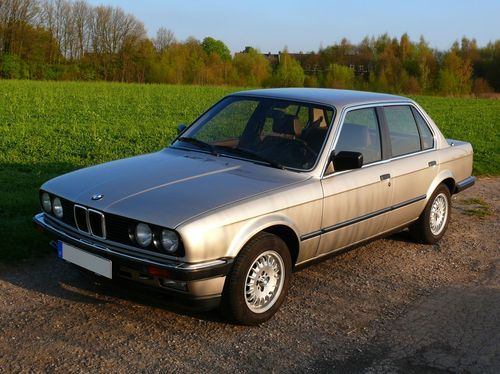BMW 3 series 323i 1984 photo - 7