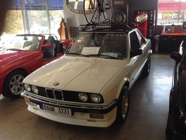 BMW 3 series 323i 1984 photo - 8