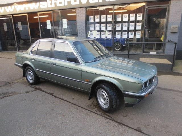 BMW 3 series 323i 1985 photo - 5