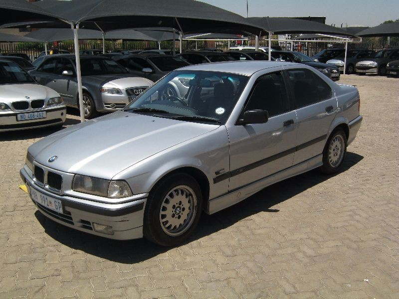 BMW 3 series 323i 1997 photo - 7