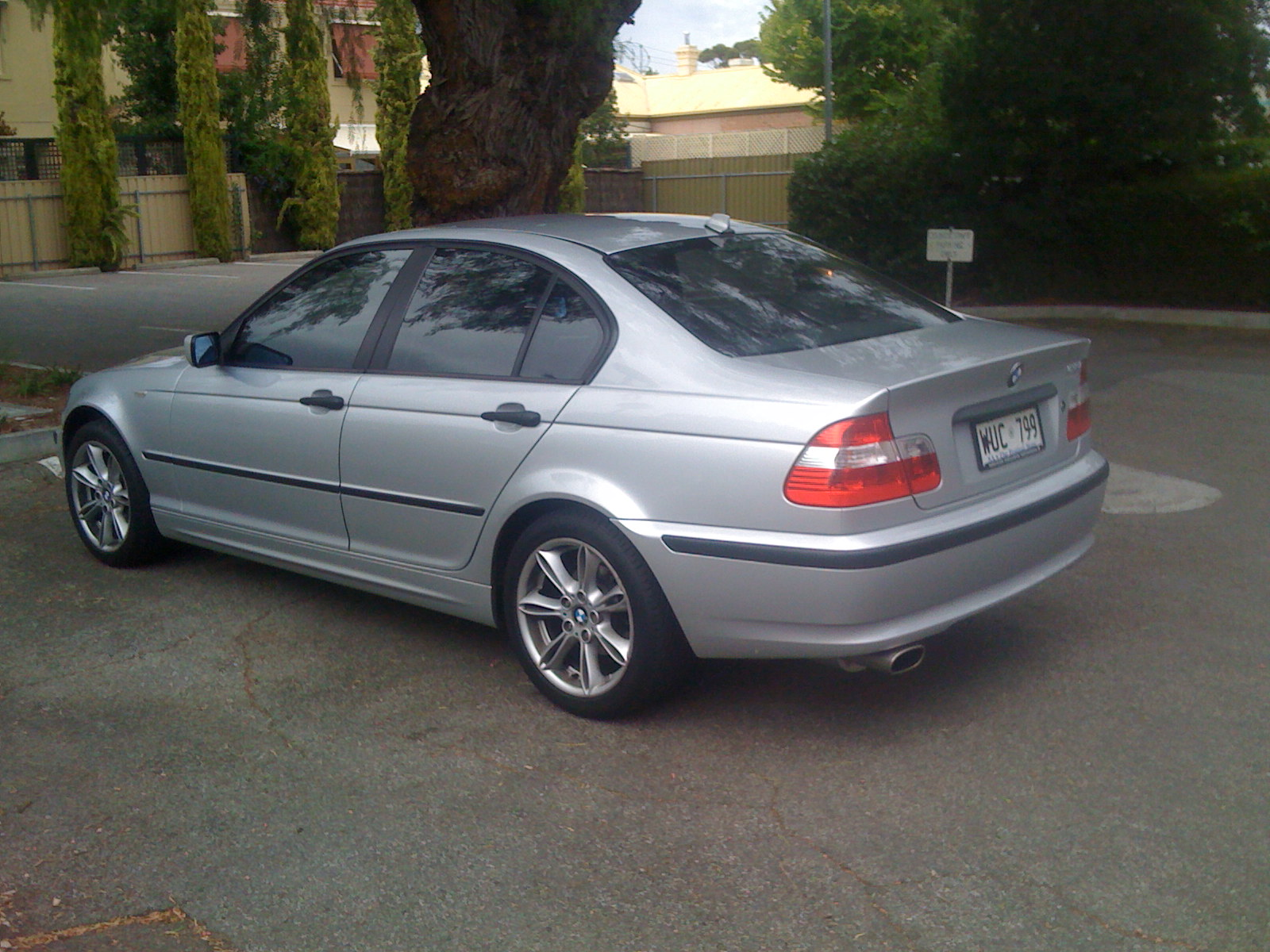 BMW 3 series 323i 2001 photo - 10