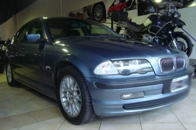 BMW 3 series 323i 2001 photo - 3