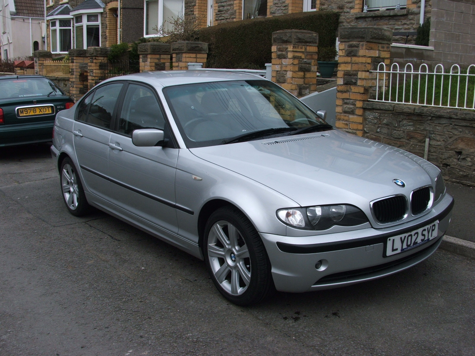 BMW 3 series 323i 2002 photo - 8