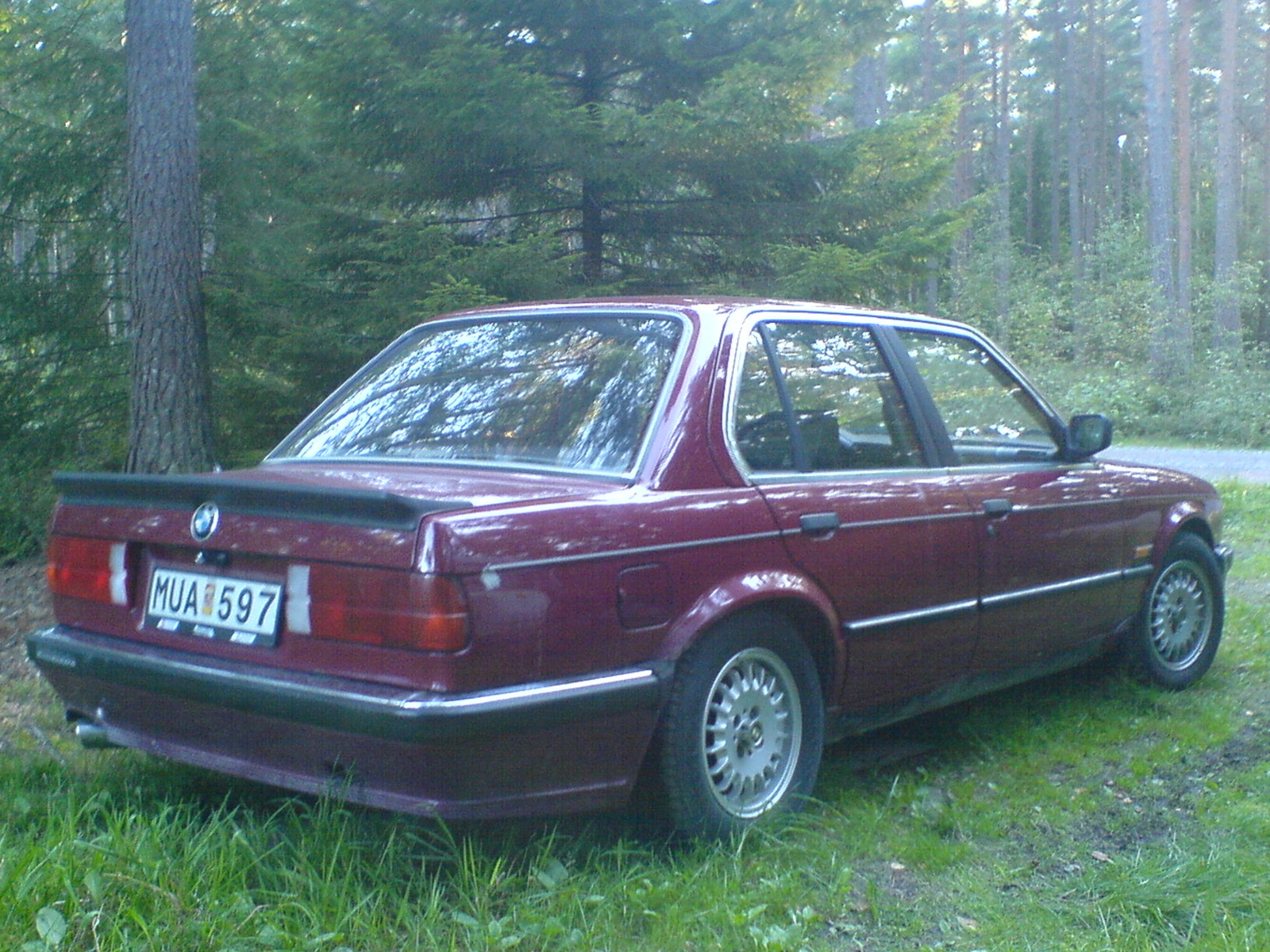 BMW 3 series 324d 1987 photo - 11