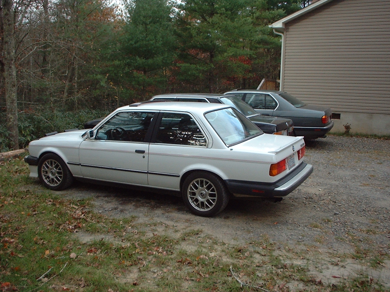 BMW 3 series 324d 1987 photo - 3