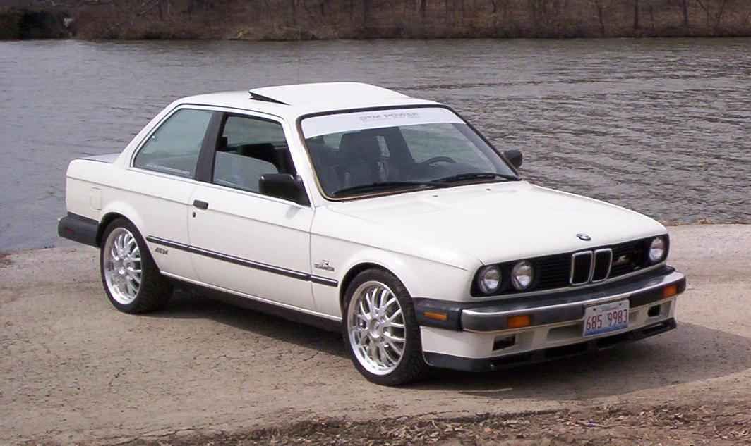 BMW 3 series 324d 1987 photo - 5