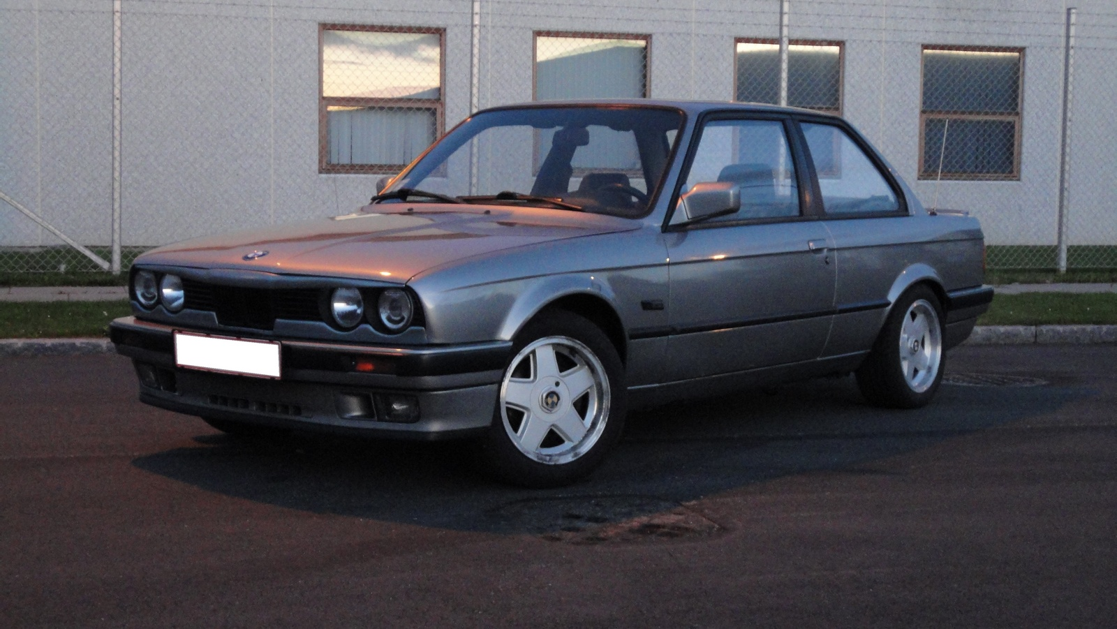 BMW 3 series 324d 1988 photo - 1