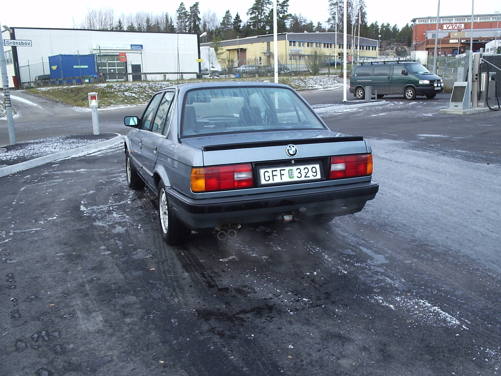 BMW 3 series 324d 1988 photo - 11