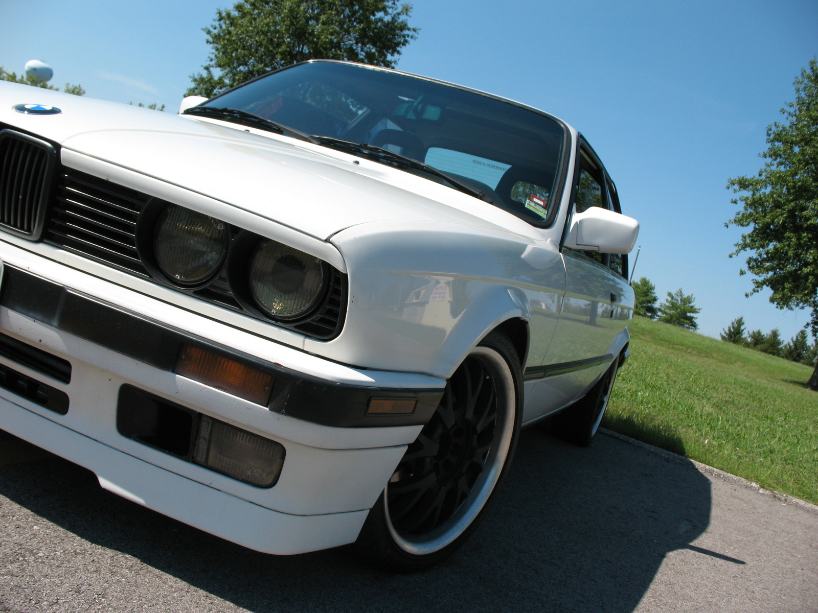 BMW 3 series 324d 1988 photo - 12