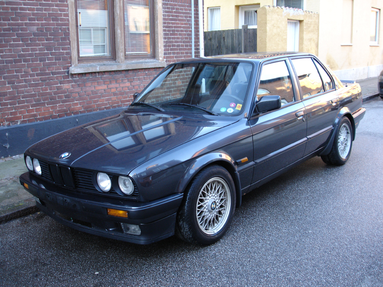 BMW 3 series 324d 1988 photo - 3