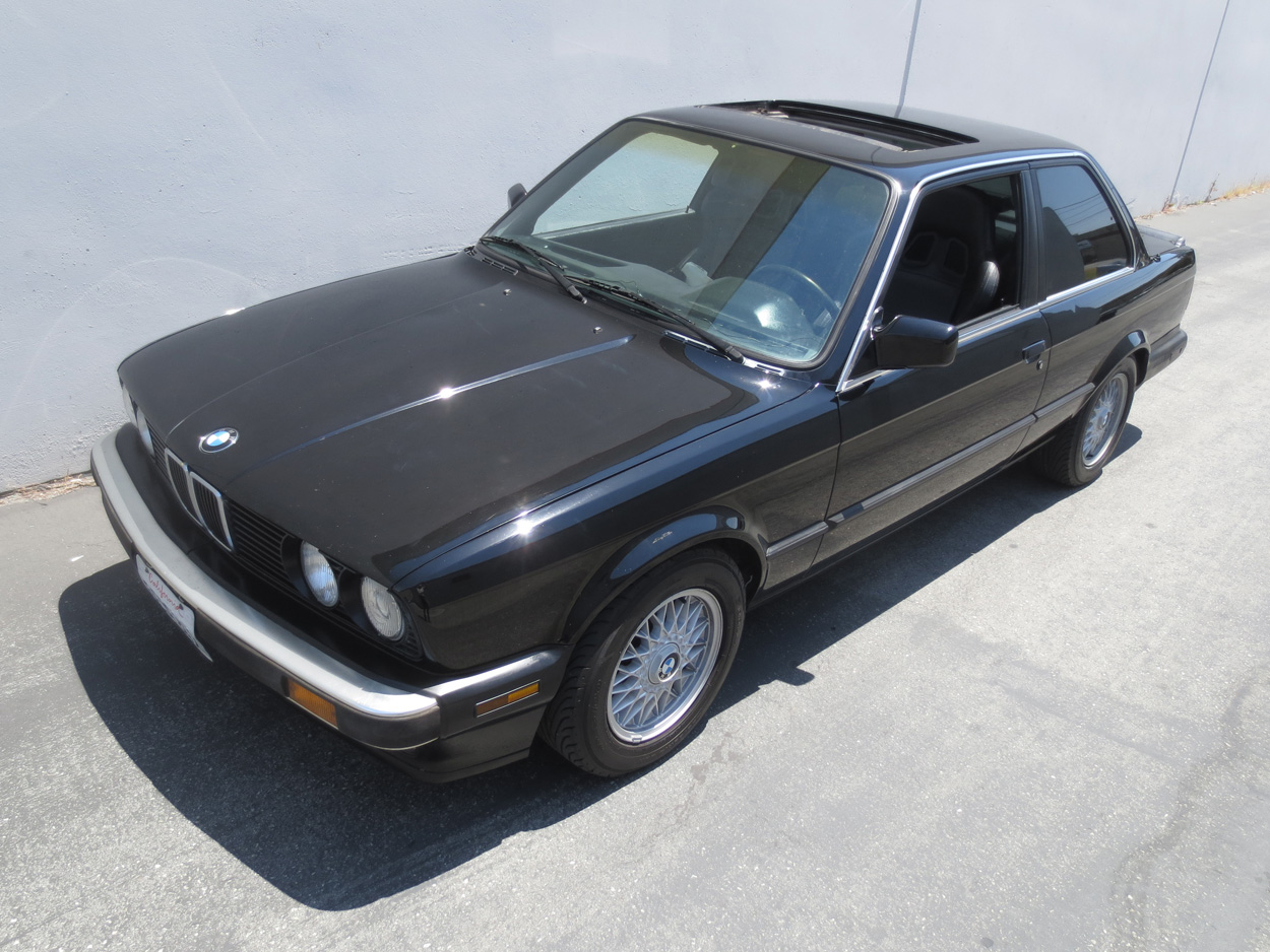 BMW 3 series 324d 1988 photo - 4