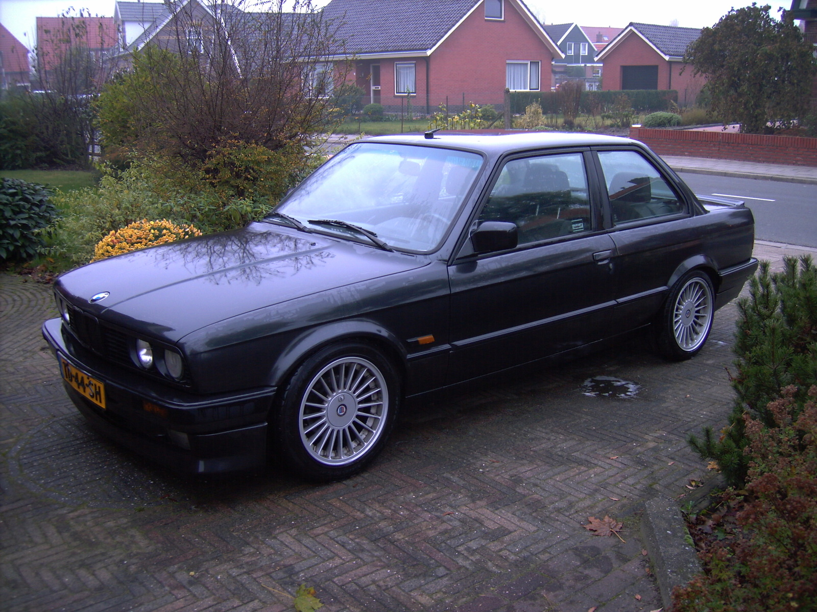 BMW 3 series 324d 1988 photo - 6