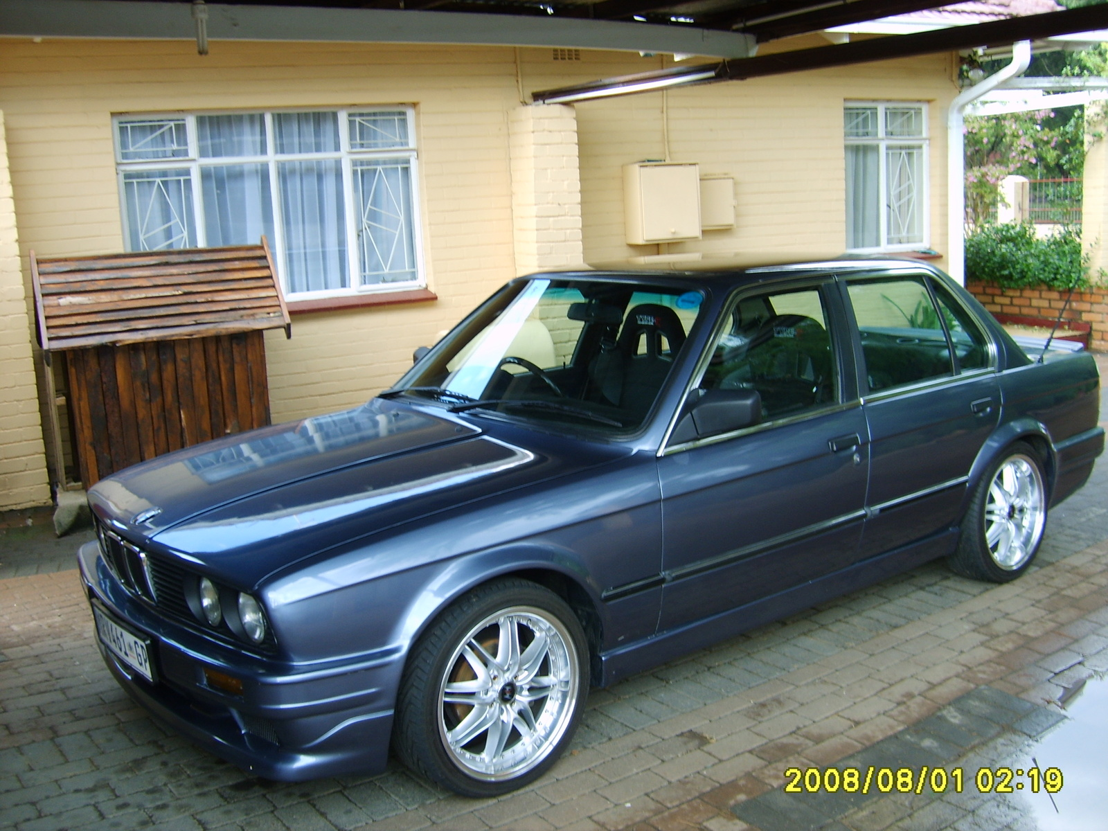BMW 3 series 324d 1988 photo - 8