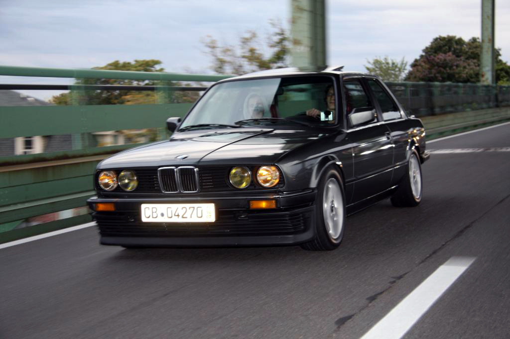 BMW 3 series 324d 1989 photo - 1