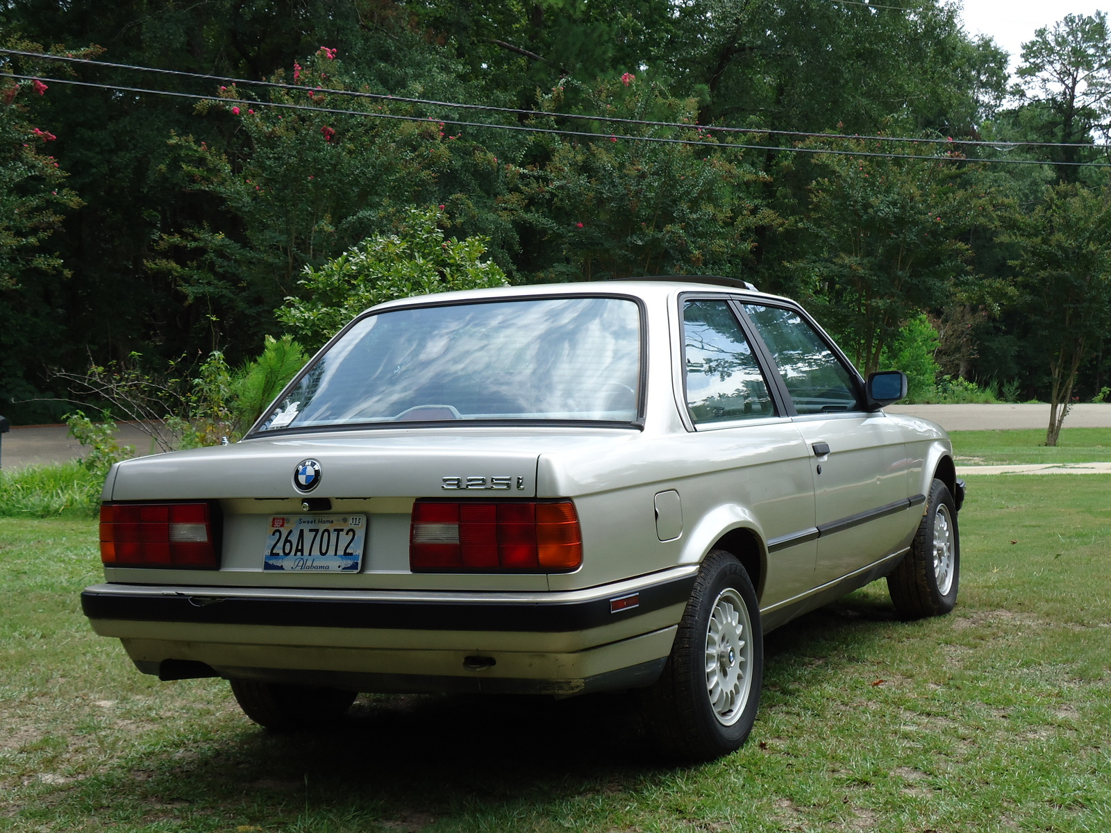 BMW 3 series 324d 1989 photo - 11