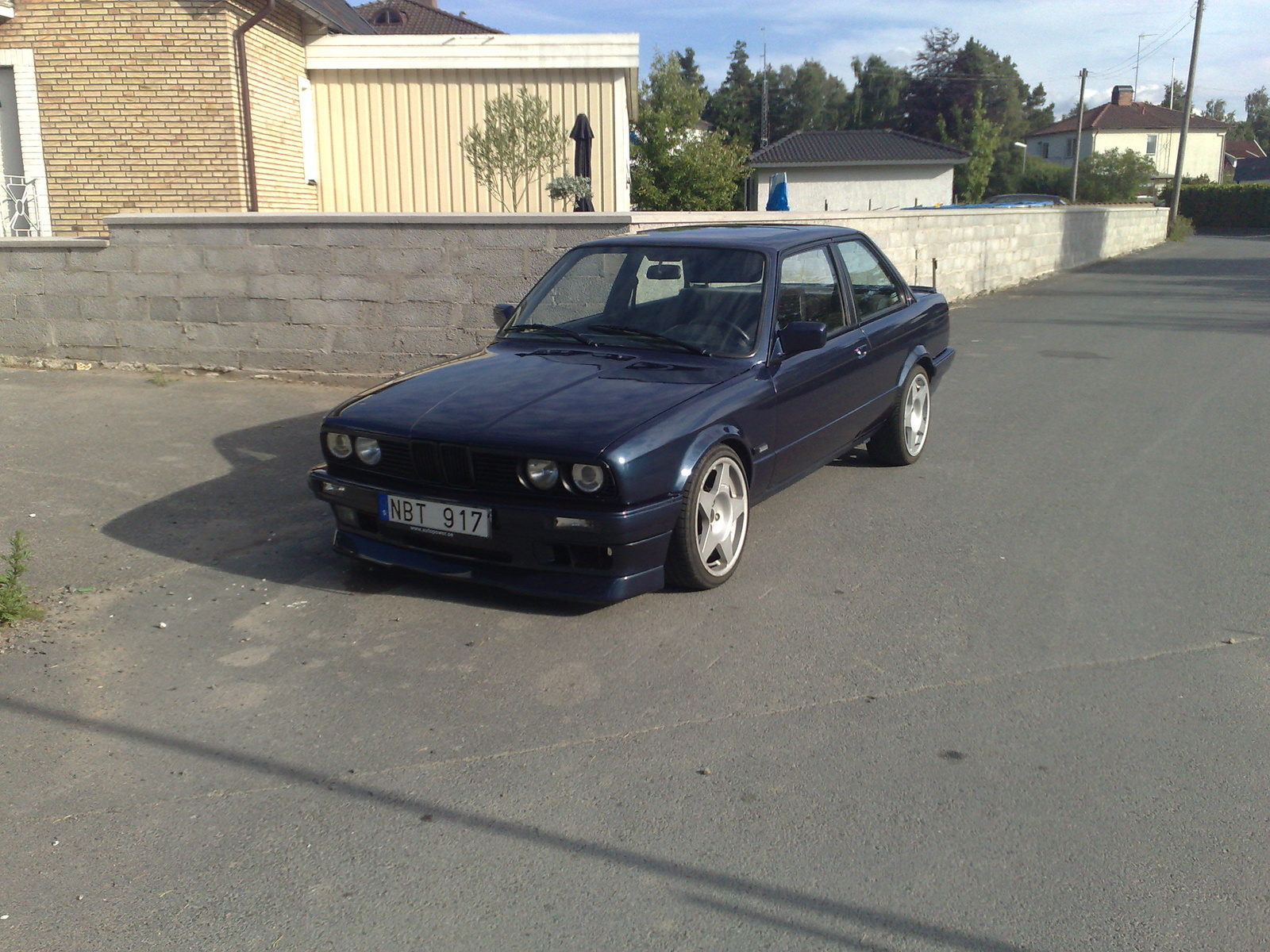 BMW 3 series 324d 1989 photo - 12