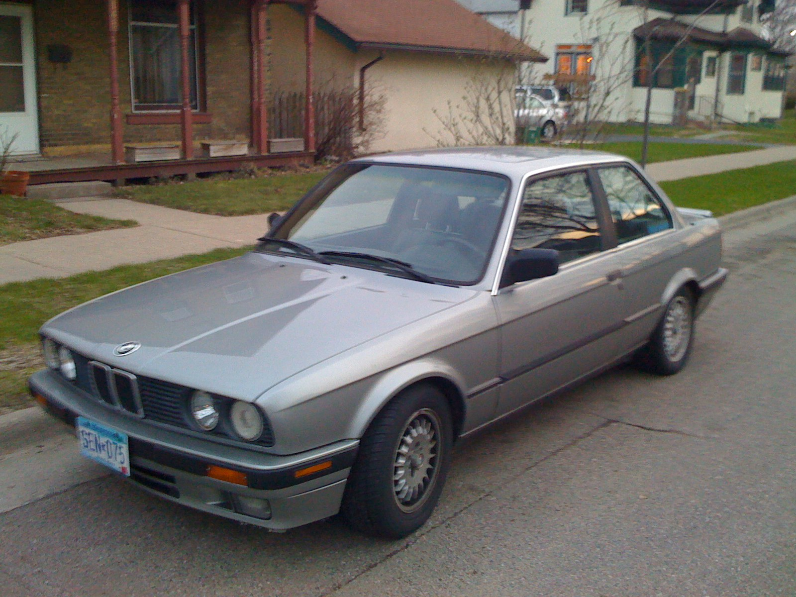BMW 3 series 324d 1989 photo - 3
