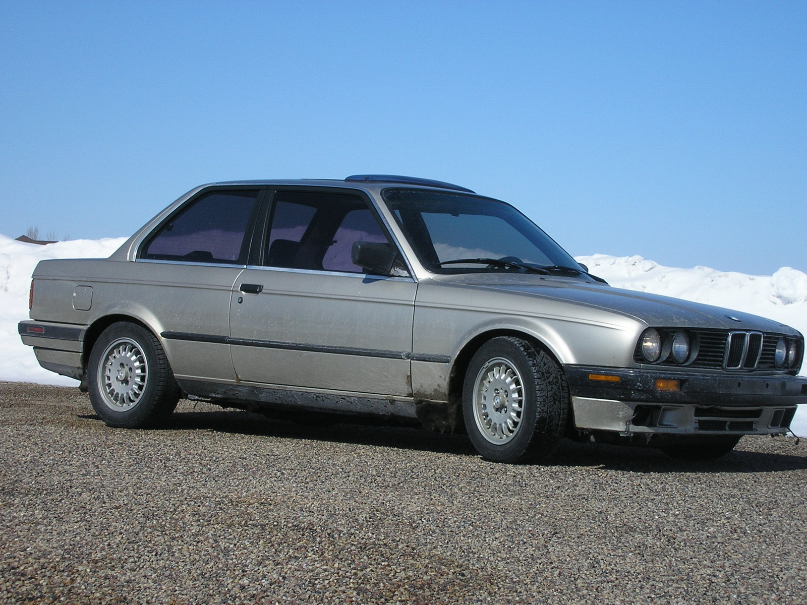 BMW 3 series 324d 1989 photo - 6