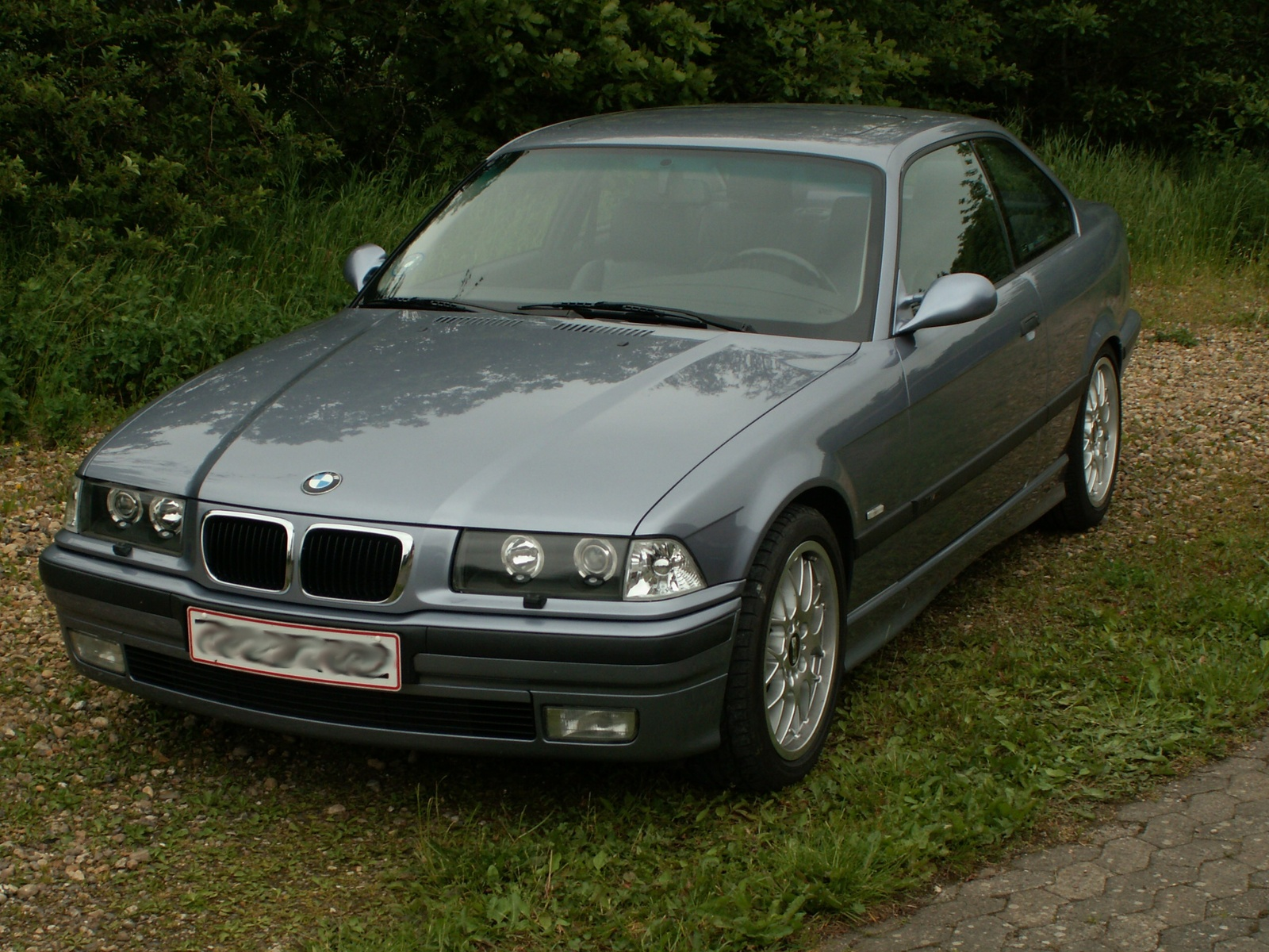 BMW 3 series 324d 1994 photo - 1