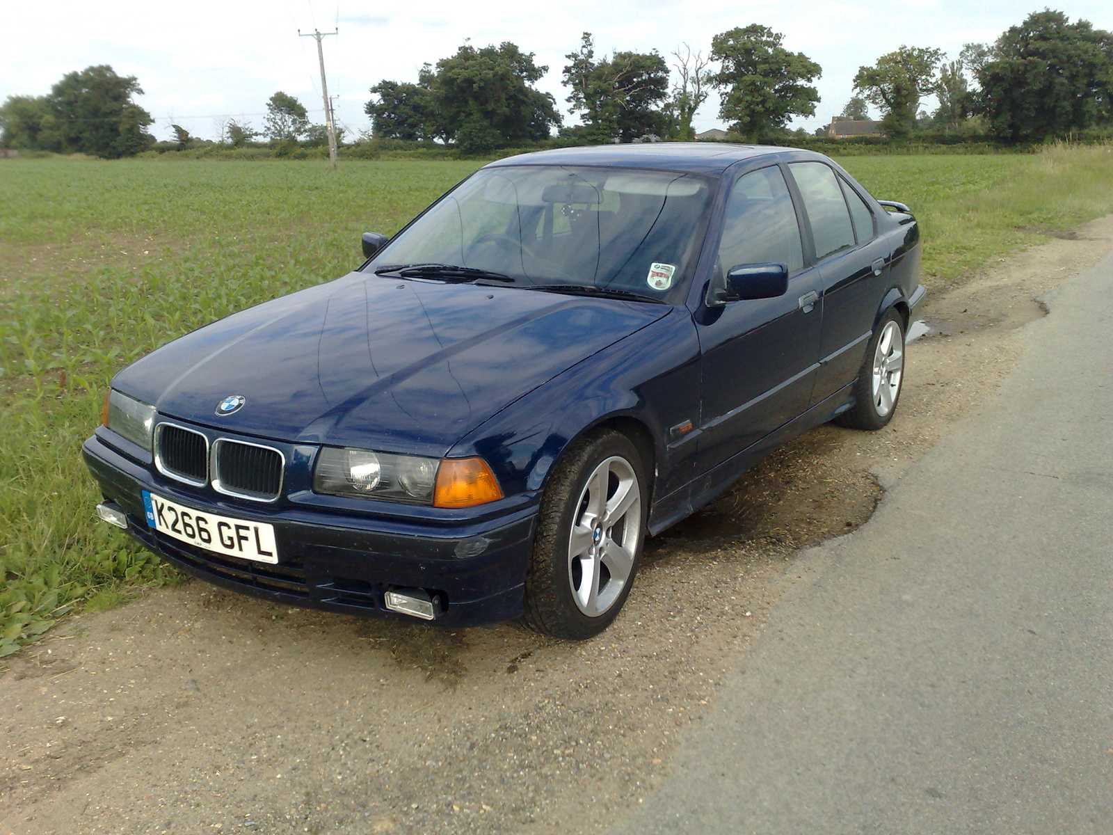 BMW 3 series 324d 1994 photo - 4