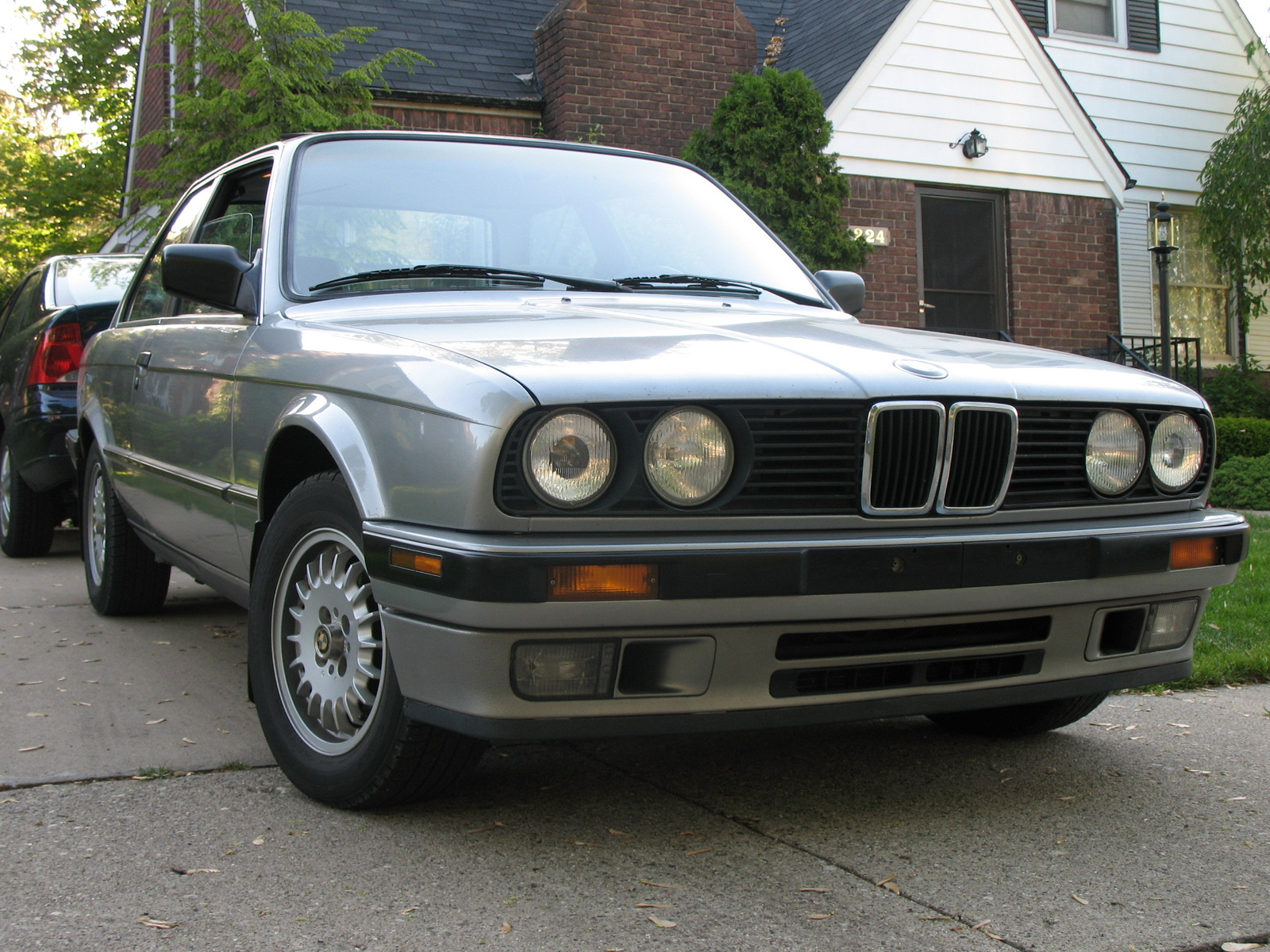 BMW 3 series 324td 1989 photo - 2