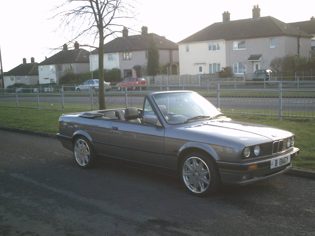 BMW 3 series 324td 1992 photo - 12