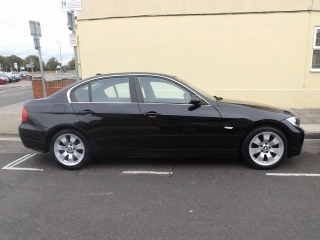 BMW 3 series 325d 2006 photo - 2