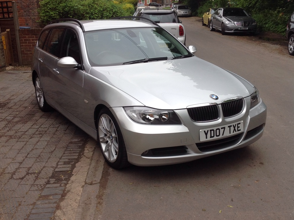 BMW 3 series 325d 2007 photo - 12