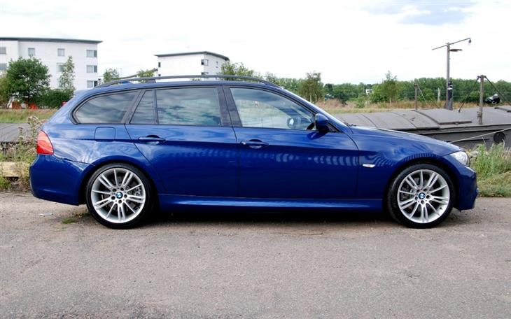 BMW 3 series 325d 2010 photo - 10