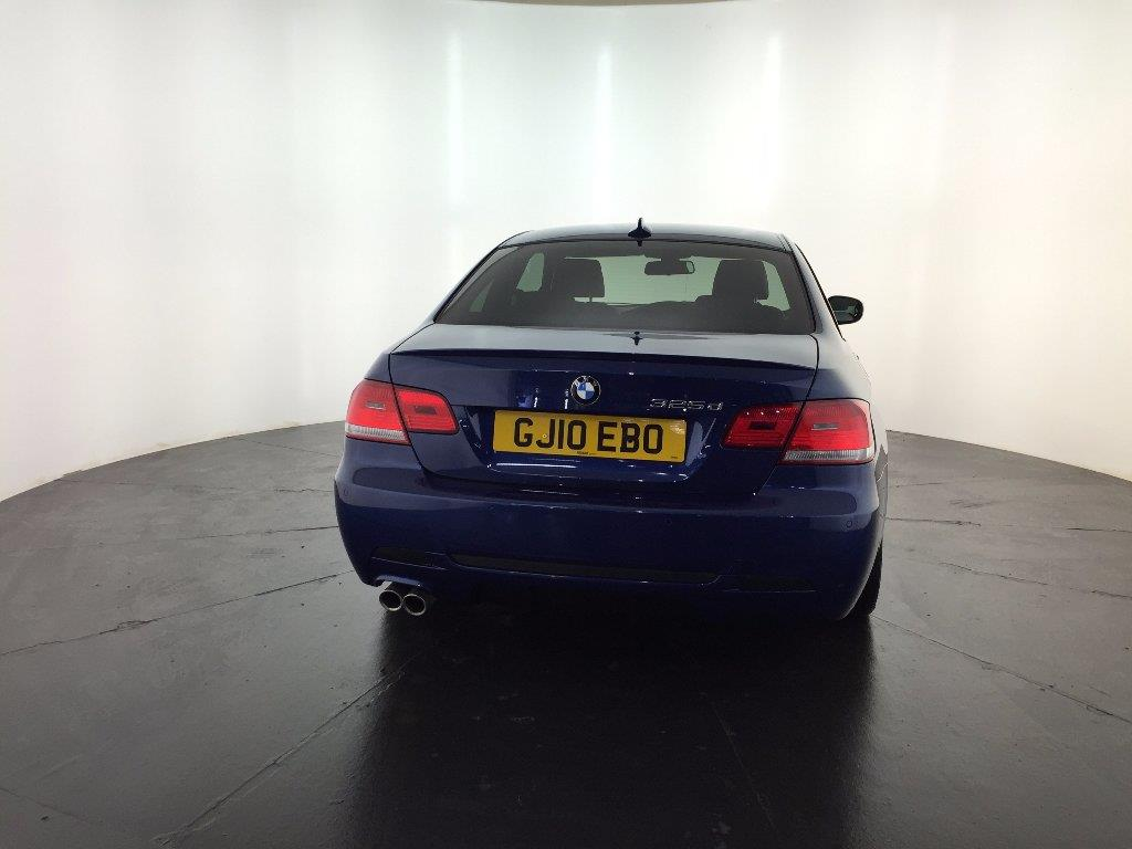 BMW 3 series 325d 2010 photo - 11