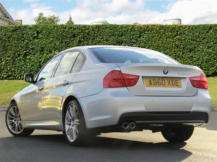BMW 3 series 325d 2010 photo - 2