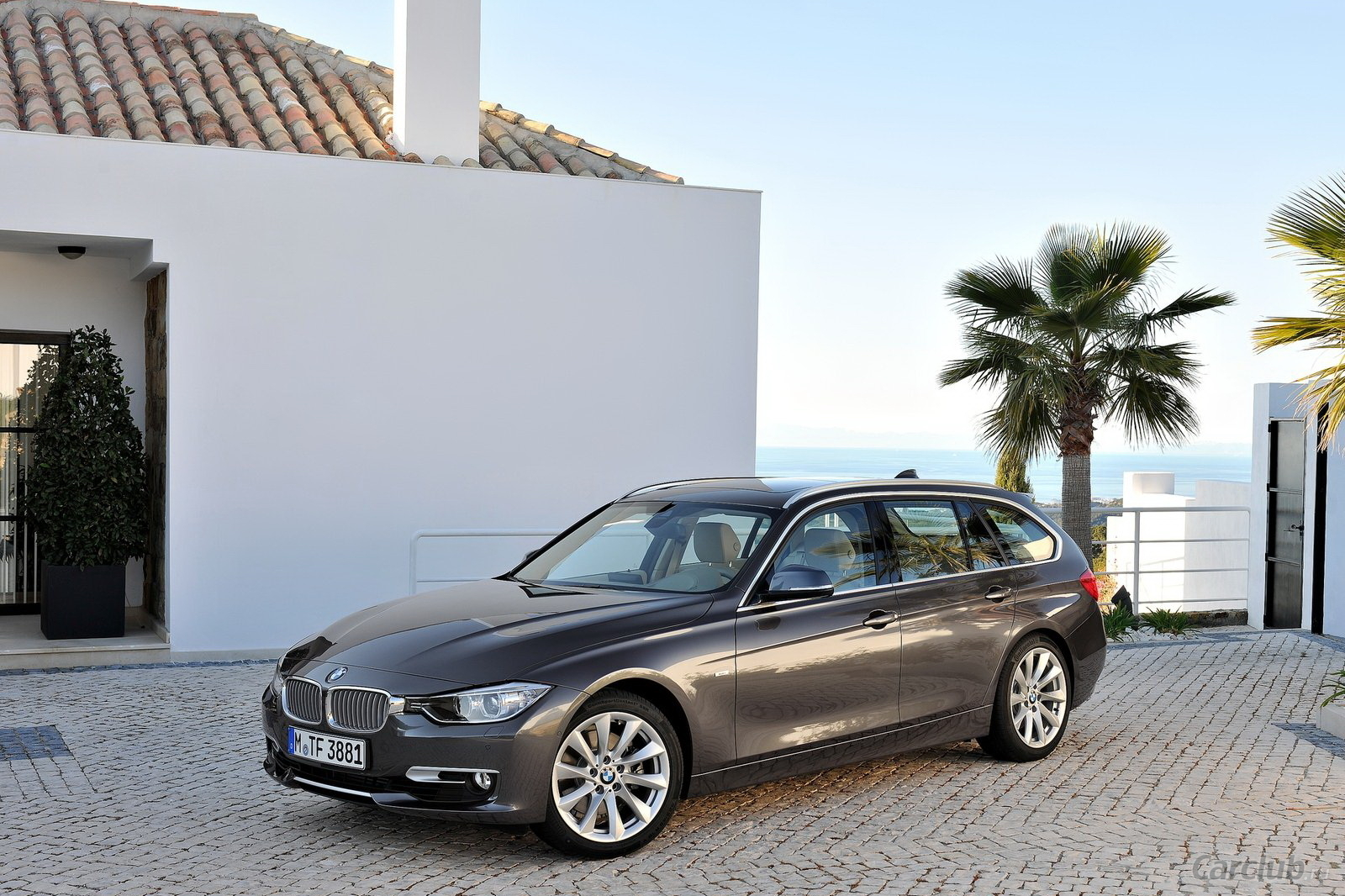 BMW 3 series 325d 2013 photo - 10