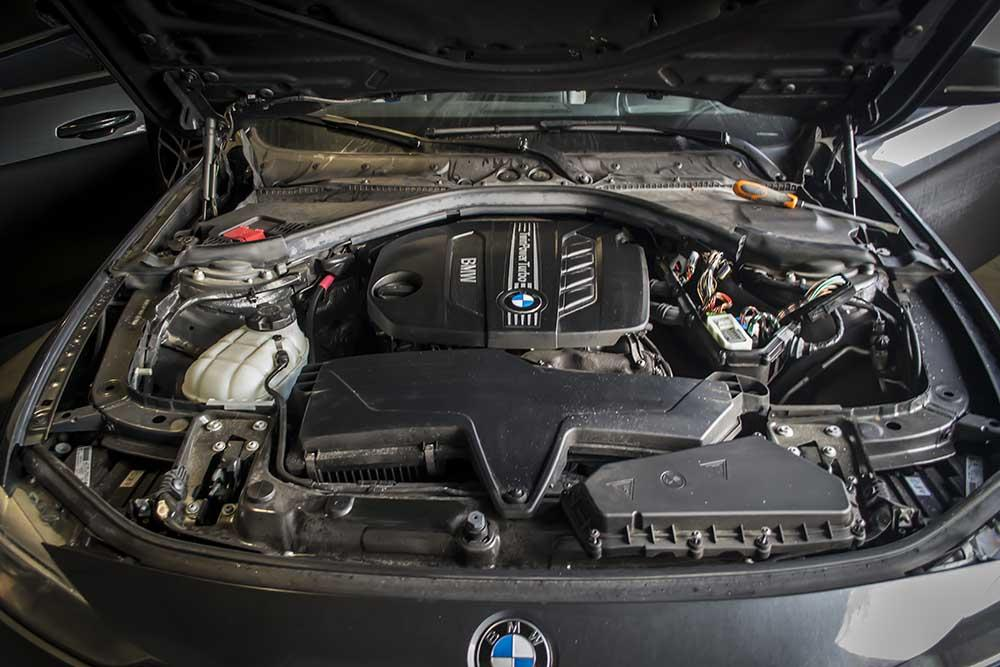 BMW 3 series 325d 2013 photo - 12
