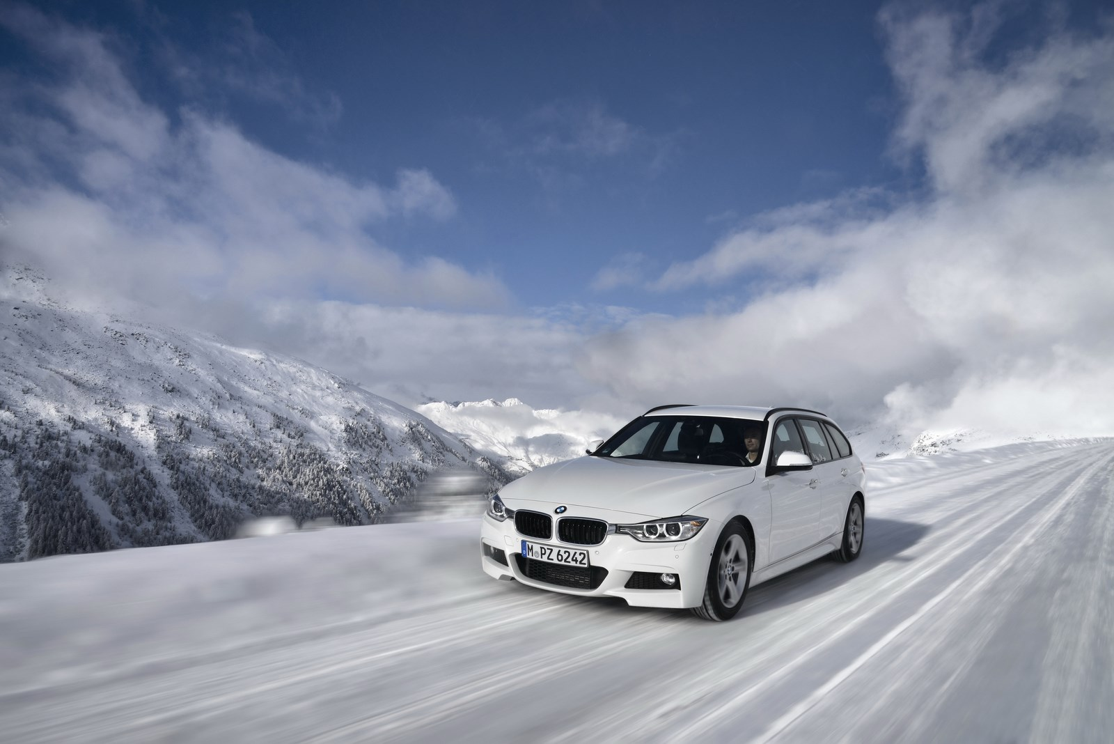 BMW 3 series 325d 2013 photo - 7