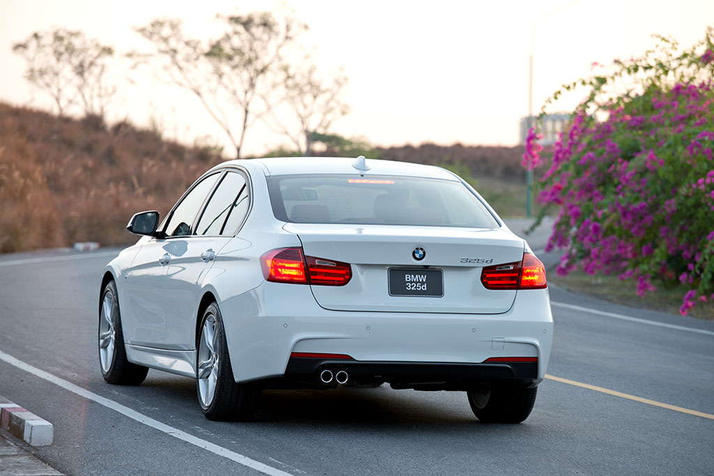 BMW 3 series 325d 2014 photo - 11