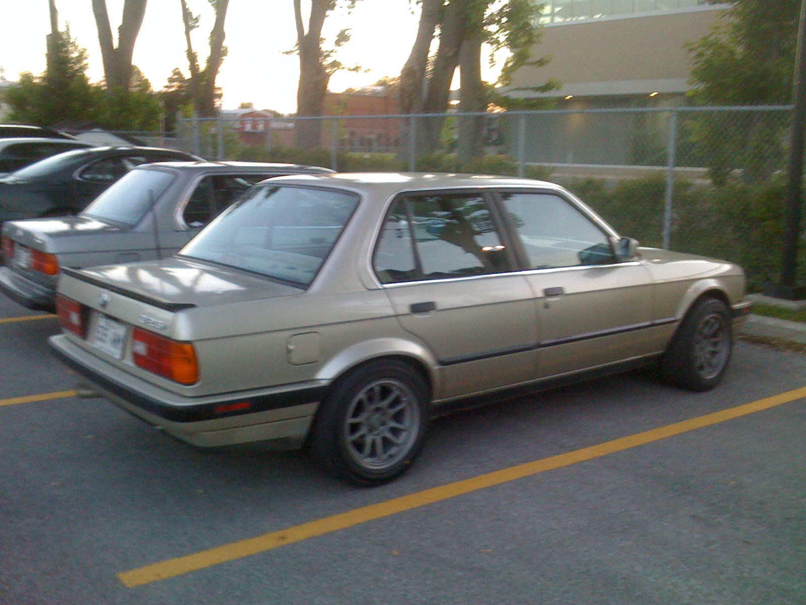BMW 3 series 325e 1990 photo - 10