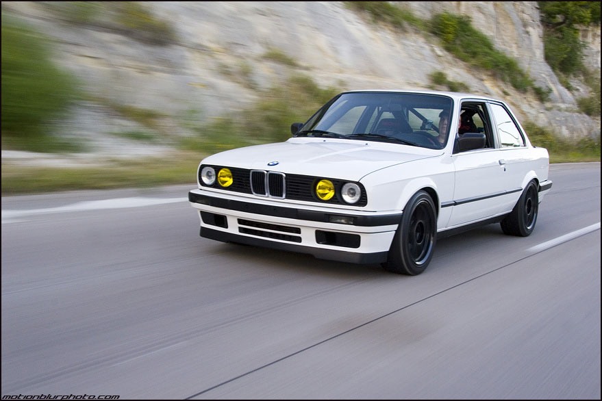 BMW 3 series 325e 1990 photo - 12