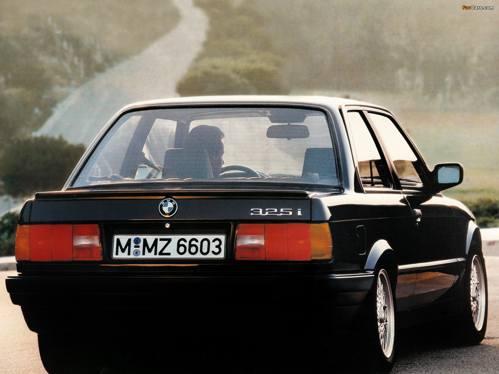BMW 3 series 325i 1983 photo - 7