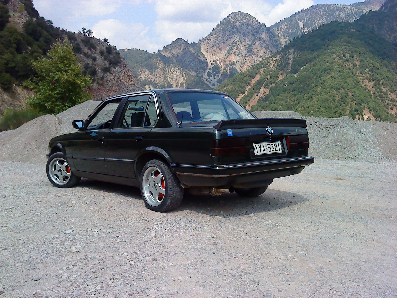 BMW 3 series 325i 1984 photo - 3