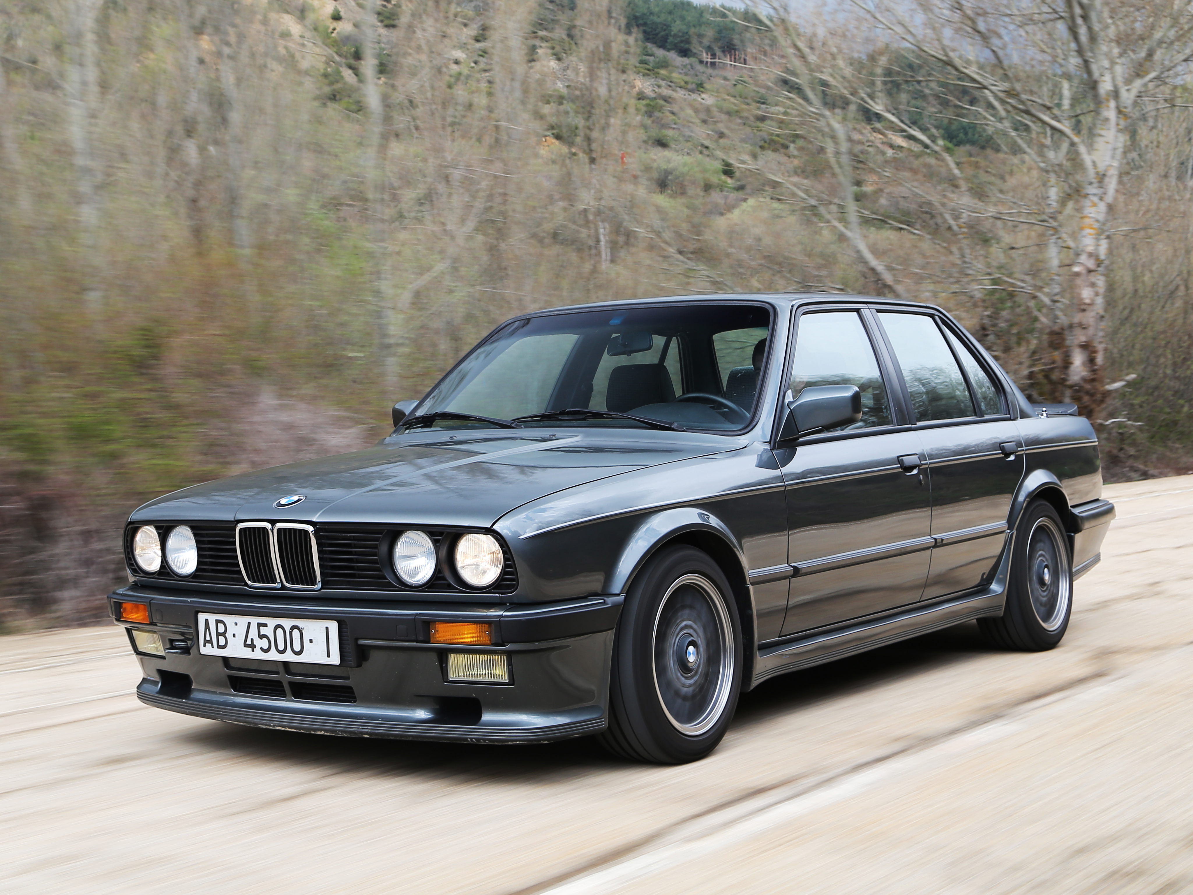 BMW 3 series 325i 1984 photo - 9