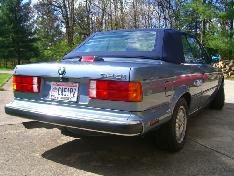 BMW 3 series 325i 1988 photo - 12