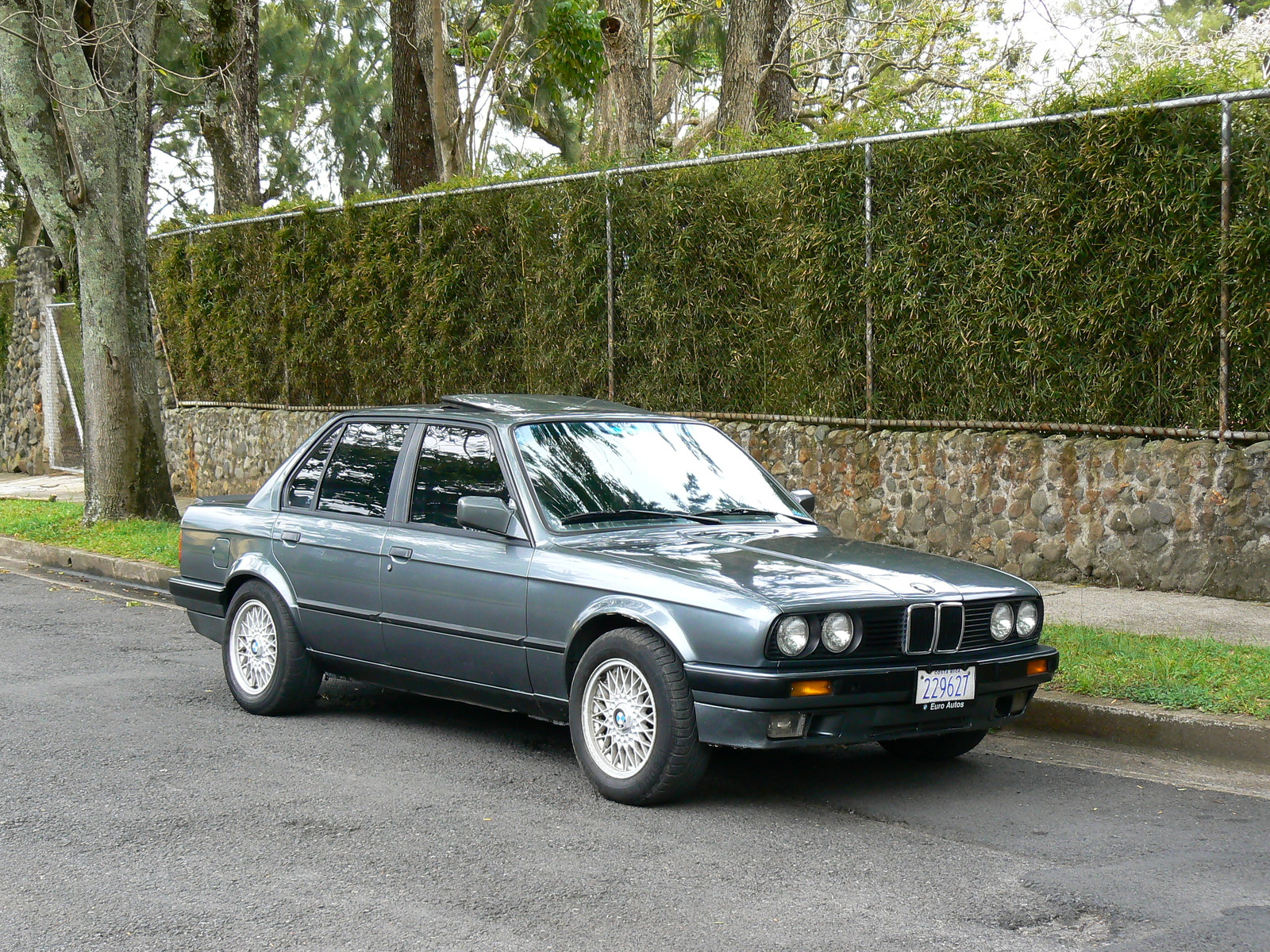 bmw 3 series 325i 1989 technical specifications interior and exterior photo. Black Bedroom Furniture Sets. Home Design Ideas