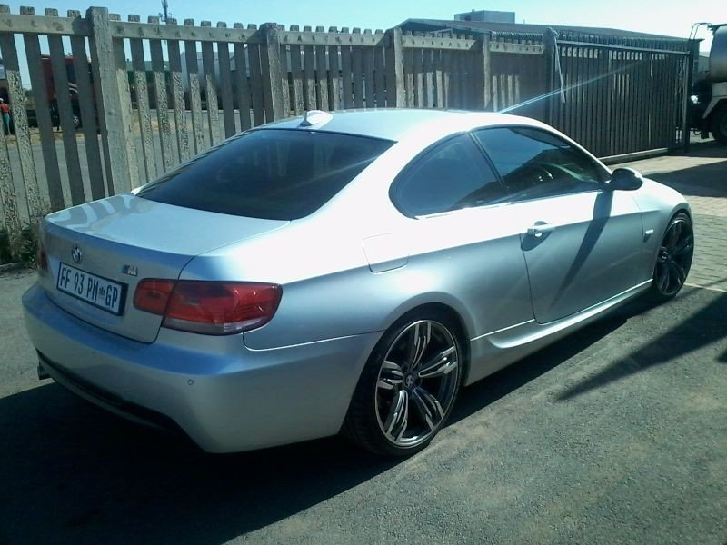 BMW 3 series 325i 2008 photo - 9