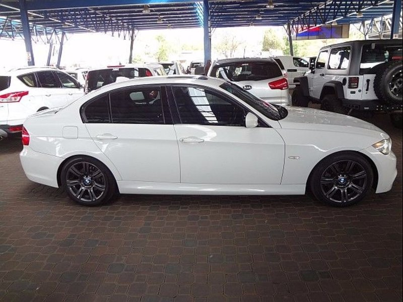BMW 3 series 325i 2010 photo - 10