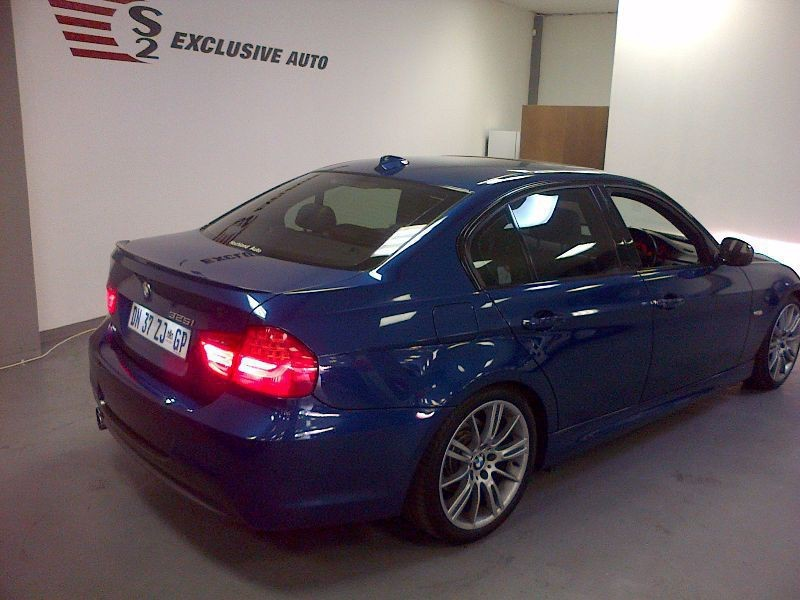 BMW 3 series 325i 2010 photo - 11